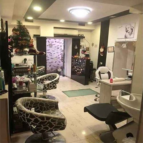 Beauty salon for sale with full equipment